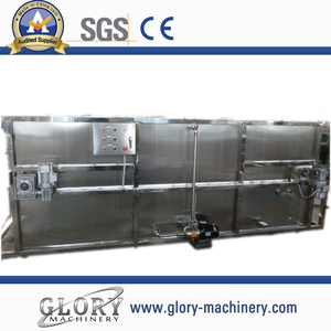 Bottle spray cooling machine for hot juice filling line